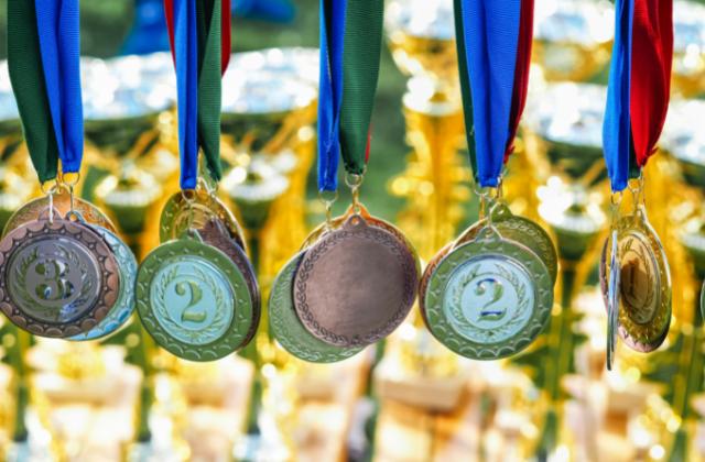 Medale i puchary sportowe od firmy artskam.pl